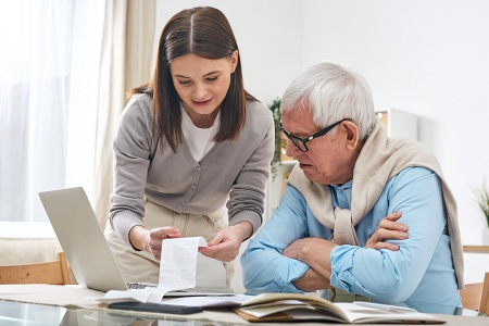 How to Help Your Financially Struggling Parents
