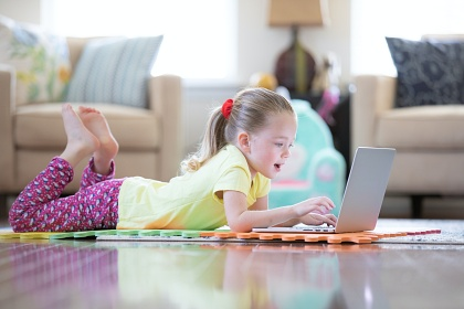 Keep Distance Learning Engaging with Virtual Adventures